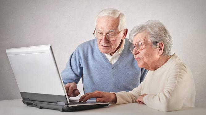 personnes âgées informatique